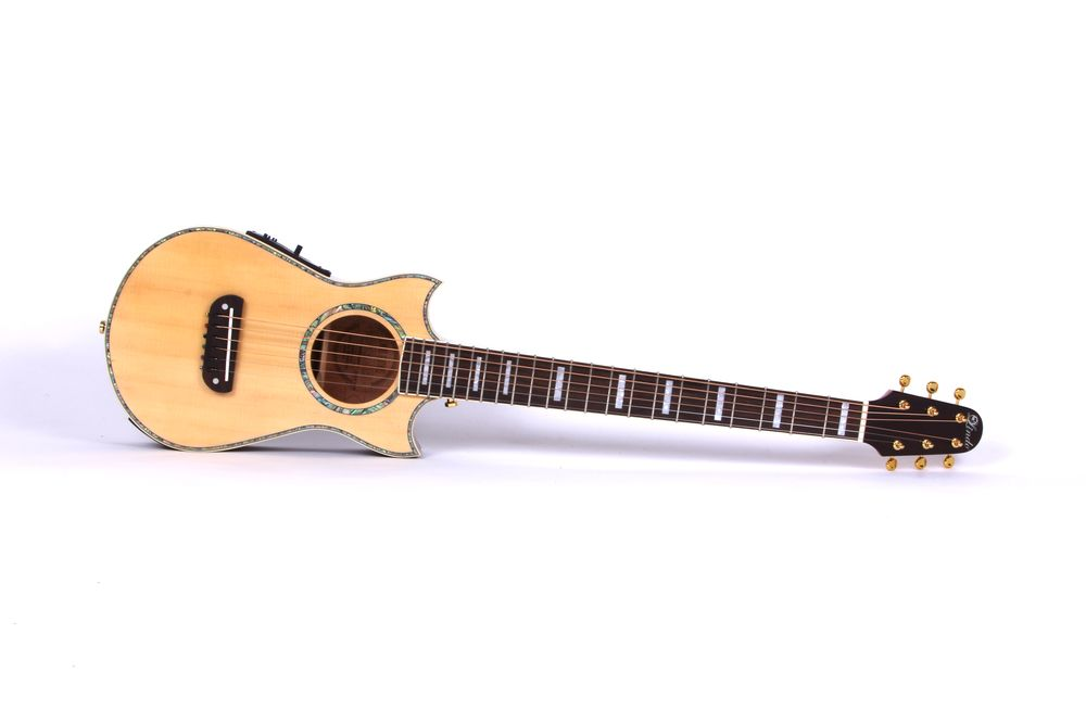 lindo solid spruce top voyager electro acoustic travel guitar with preamp light ebay. Black Bedroom Furniture Sets. Home Design Ideas