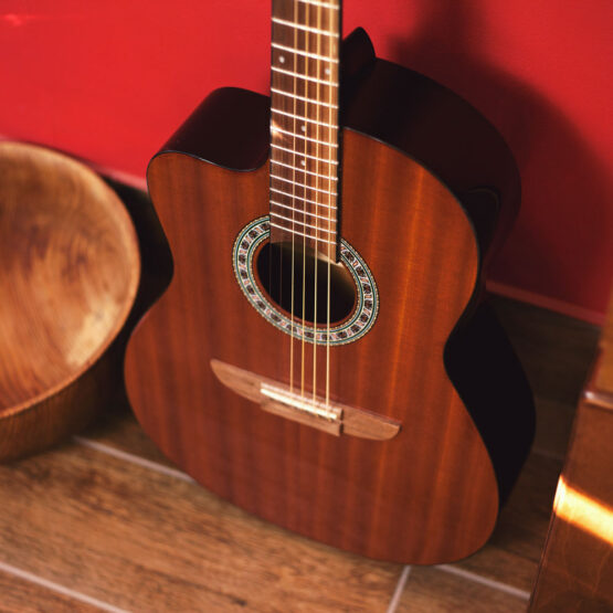 Lindo-Left-Handed-931C-Mahogany-Acoustic-Guitar-body-