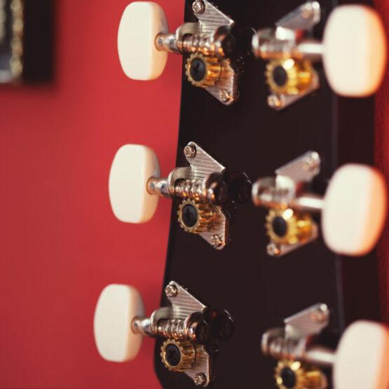 Lindo-Left-Handed-931C-Mahogany-Acoustic-Guitar-machineheads