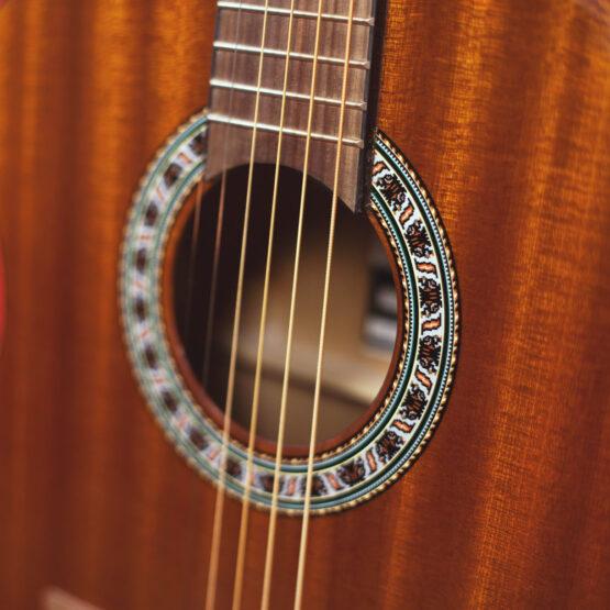 Lindo-Left-Handed-931C-Mahogany-Acoustic-Guitar-rosette-
