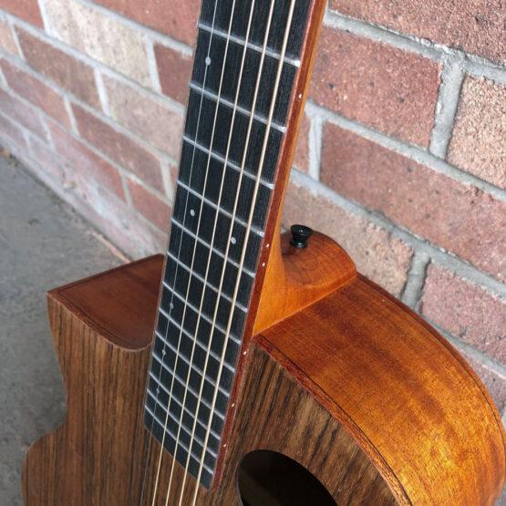 Lindo-Left-Handed-Neptune-SE-V2-Electro-Acoustic-Guitar-Fretboard